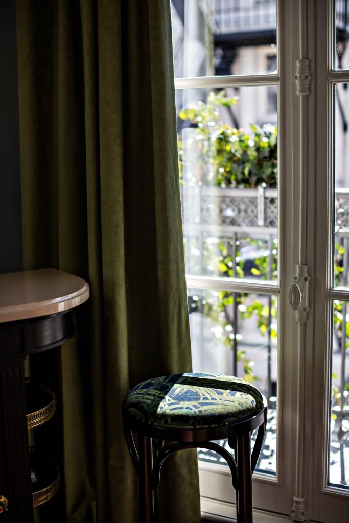 hotel-providence-paris-chambre-superieur-balcon-vue
